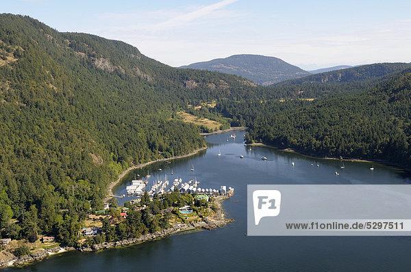 Luftaufnahme,  Genoa Bay und Jachthafen Genoa Bay Marina,  Vancouver Island,  British Columbia,  Kanada