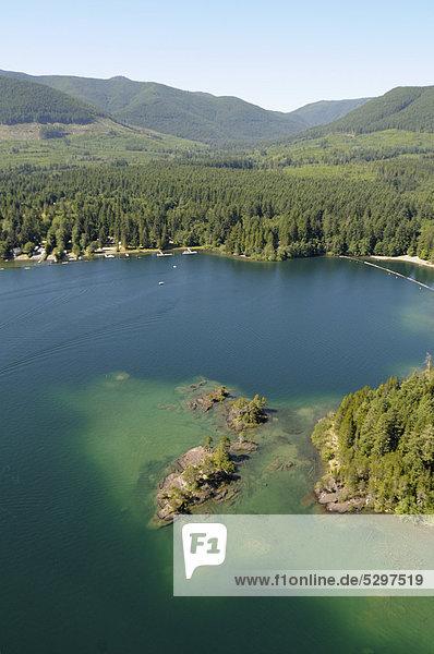 Luftaufnahme  Gordon Bay Provincial Park  Cowichan Lake See  Vancouver Island  British Columbia  Kanada