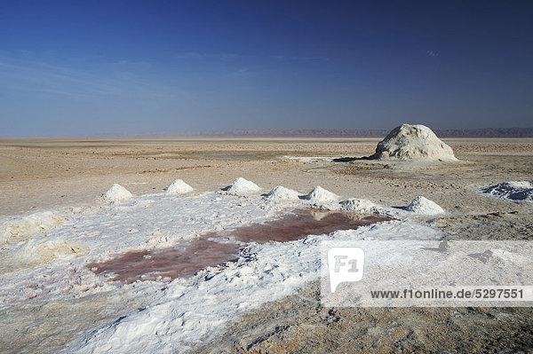Salt lake Chott el Djerid  Southern Tunisia  Tunisia  Maghreb  North Africa  Africa