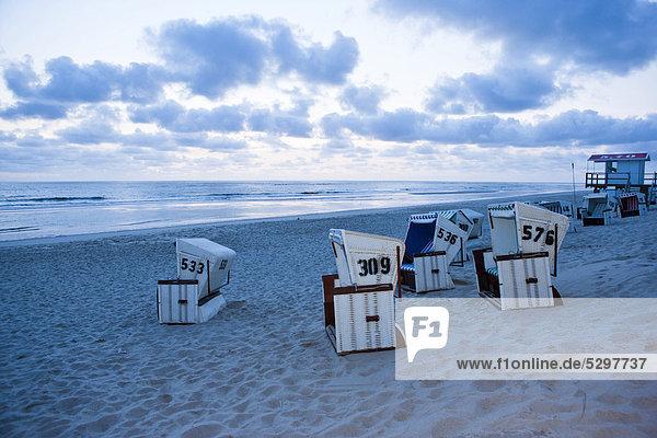 Strandkˆrbe am Strand  Sansibar  Sylt  Nordfriesische Inseln  Deutschland  Europa