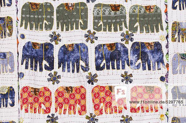 Decke mit aufgen‰hten Elefanten  Jaipur  Rajasthan  Indien  Asien