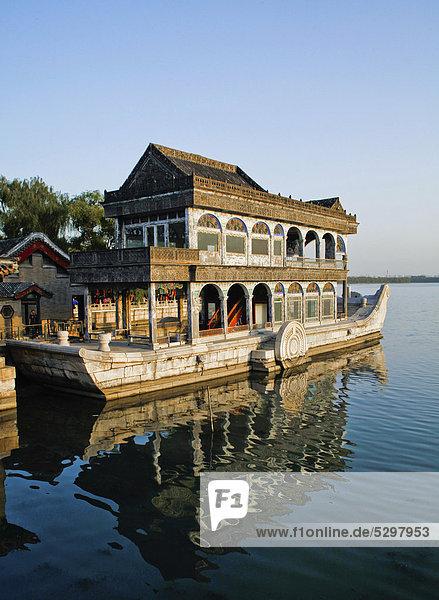 Marmorschiff oder Marmorboot  Neuer Sommerpalast  Peking  China  Asien