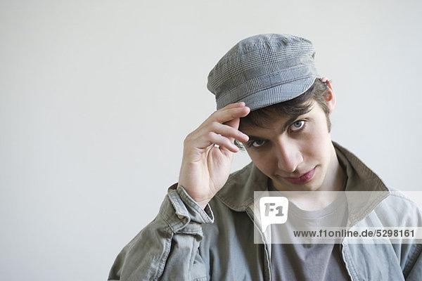 Männlicher Kipphut zur Kamera  Portrait
