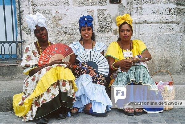 Cuba  Havana  women in traditional dress