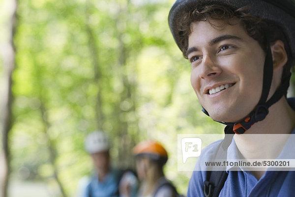 Mountainbiker lächelnd