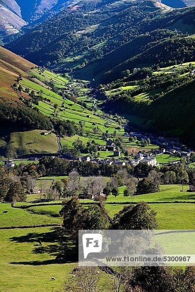 Berg  Landschaft  Dorf  Spanien