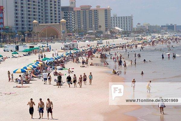 Vereinigte Staaten von Amerika  USA  Mensch  Menschen  Strand  Ozean  Atlantischer Ozean  Atlantik  Florida