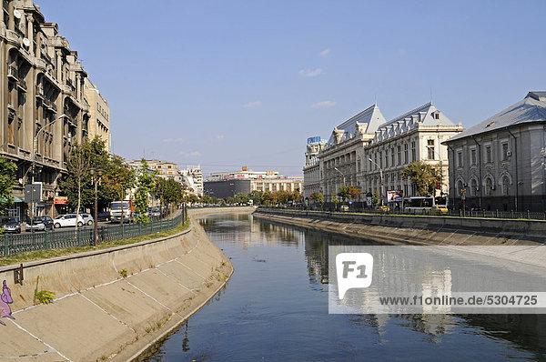 Fluss Dambovita  Piata Natiunile Unite  Platz  Bukarest  Rumänien  Osteuropa  ÖffentlicherGrund
