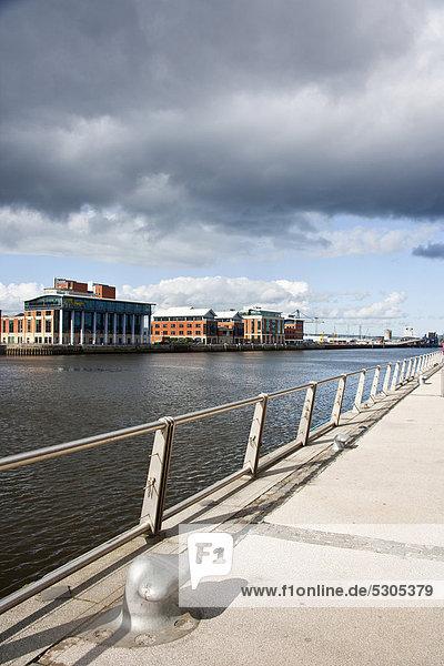 Fluss Lagan in Belfast  Nordirland  Großbritannien  Europa