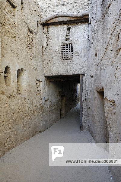 Landstraße Afrika Oase Dachla Ägypten