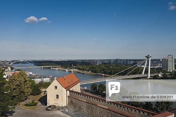 Novy Most  Neue Brücke  Bratislava  Pressburg  Slowakei  Europa  ÖffentlicherGrund