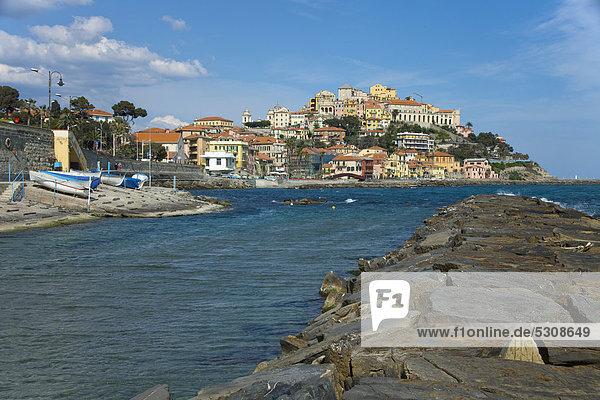 Hafen Europa Küste Großstadt Imperia Italien Ligurien