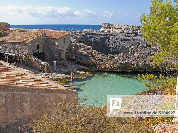 Small finca near the bay of Cala de S'Almonia  Cap de ses Salines nature reserve  Cala Llombards  Majorca  Balearic islands  Spain  Mediterranean Sea  Europe