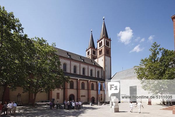 Kiliansdom  Kiliansplatz  Museum am Dom  Würzburg  Unterfranken  Franken  Bayern  Deutschland  Europa  ÖffentlicherGrund