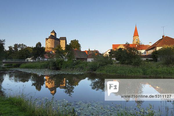 Burg Falkenberg  Waldnaab  Oberpfalz  Bayern  Deutschland  Europa  ÖffentlicherGrund