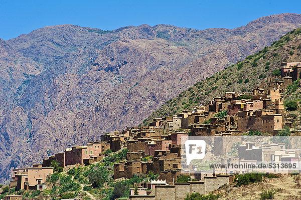 Berg Tradition Hügel Dorf typisch Afrika Berber Marokko