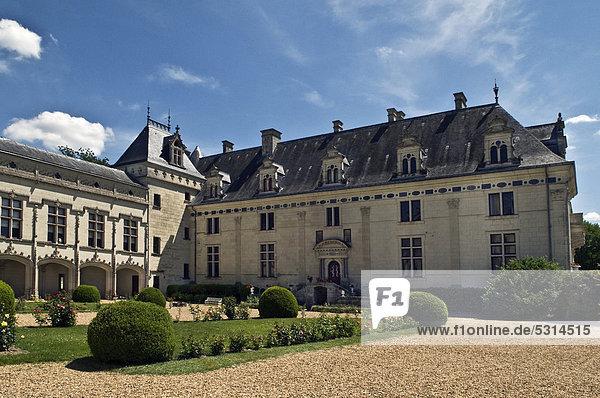 Schloss BrÈzÈ  Chateau de BrÈzÈ  erbaut 1060  Umbauten 16. und 19. Jahrhundert  gehört zu den Loire-Schlössern  nahe Saumur  Departement Maine-et-Loire  Frankreich  Europa