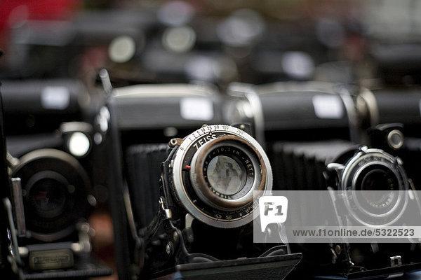 Historische Kameras  Flohmarkt  Portobello Road  London  England  Großbritannien  Europa Historische Kameras, Flohmarkt, Portobello Road, London, England, Großbritannien, Europa