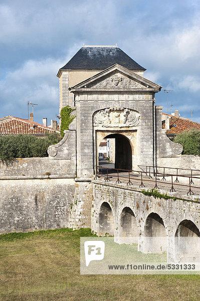 Befestigungsanlage von Saint-Martin-en-Re  entworfen und konstruiert von Vauban  Campani-Tor  Unesco Weltkulturerbe  Ile de Re  Departement Charente Maritime  Frankreich  Europa