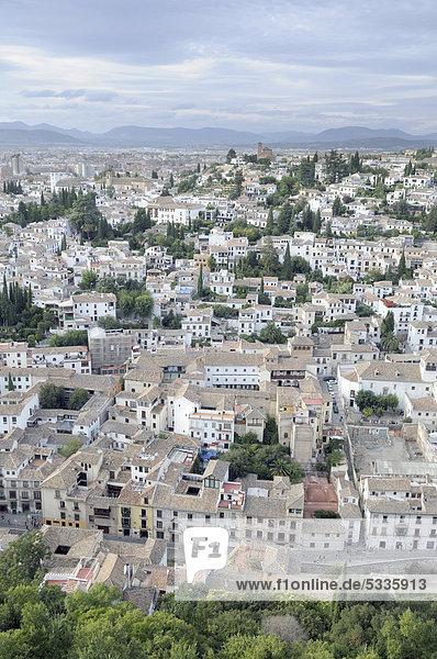 Blick auf Granada von der Alhambra  Granada  Andalusien  Spanien  Europa