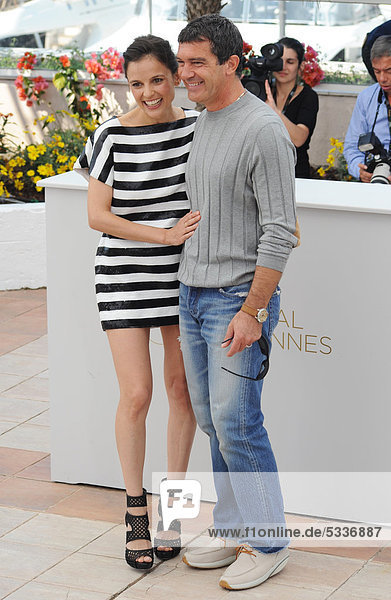 Antonio Banderas und Elena Anaya beim Fototermin zu LA PIEL QUE HABITO beim Palais des Festivals bei den 64. Internationalen Filmfestspielen von Cannes  Frankreich  Europa
