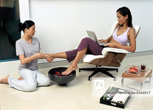 Fuß Behandlung bei Zense Freude Spa in Bangkok  Thailand