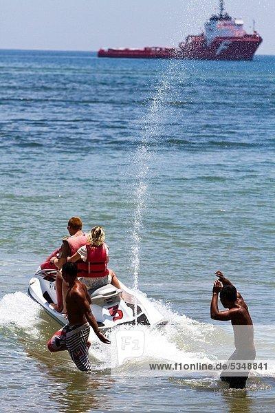 Wasser  Aktivitäten  Angebot  Größe  Indonesien  Parasailing