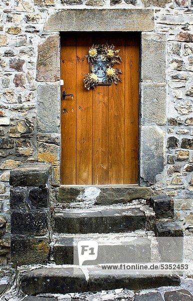 Europa Wohnhaus Tür Tal Navarra Pyrenäen Spanien