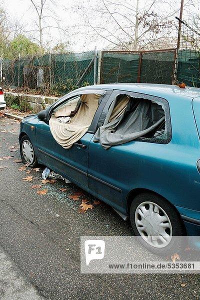 gebraucht  Auto  Hütte  Obdachlosigkeit