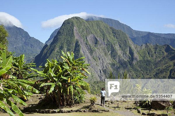 Blick auf den Piton d'Enchaing im Vulkankessel Cirque de Salazie in Hell-Bourg  Insel La Reunion  Indischer Ozean