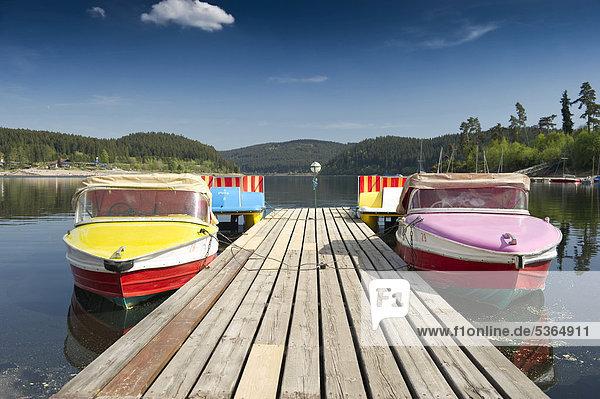 Boote am Steg  Schluchsee  Schwarzwald  Baden-Württemberg  Deutschland  Europa Boote am Steg, Schluchsee, Schwarzwald, Baden-Württemberg, Deutschland, Europa