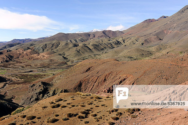 Gebirgslandschaft  Tizi-n-Tichka-Passstraße  Hoher Atlas  Marokko  Maghreb  Nordafrika  Afrika