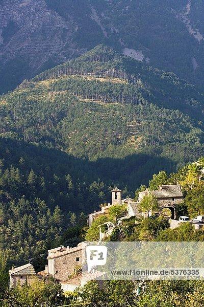Landschaftlich schön landschaftlich reizvoll Frankreich Europa Berg Dorf Provence - Alpes-Cote d Azur