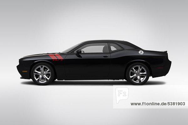 2012 Dodge Challenger R/T  in schwarz - Treiber Seite Profil