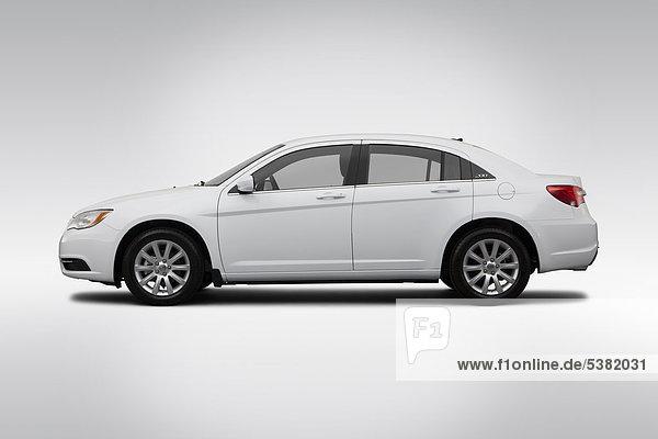 2012 Chrysler 200 Touring in weiß - Treiber Seite Profil