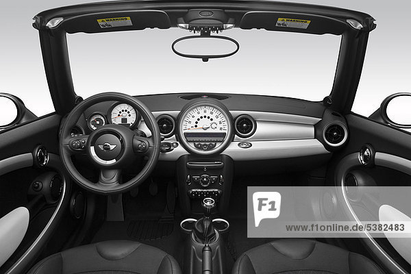 2012 Mini Cooper in blau - Armaturenbrett  Mittelkonsole  Getriebe Schalthebel anzeigen