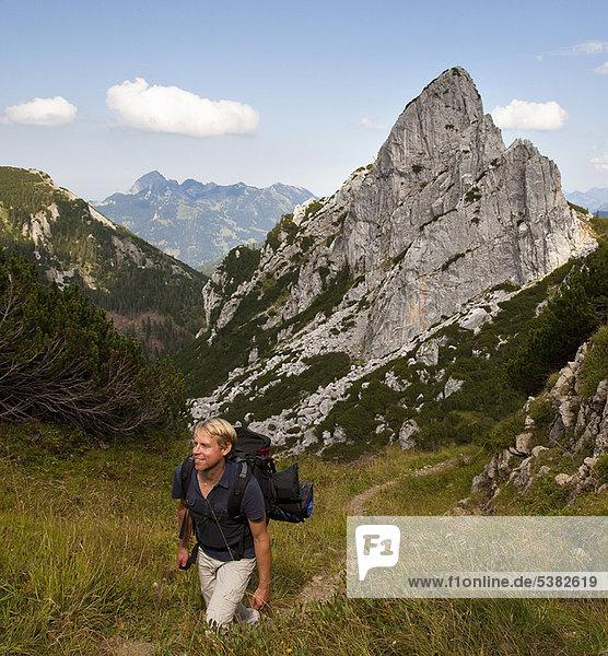 Berg  Mann  Weg  wandern