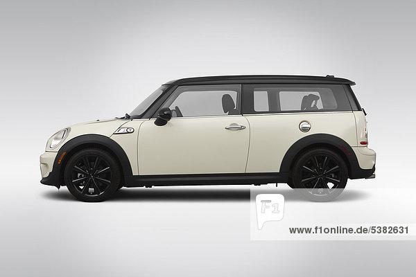 2012 Mini Cooper Clubman S in weiß - Treiber Seite Profil