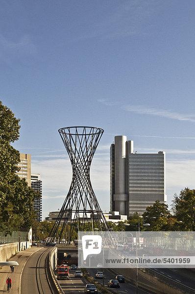 hoch oben Glasfaser bauen Europa Skulptur Künstler Bayern Deutschland München