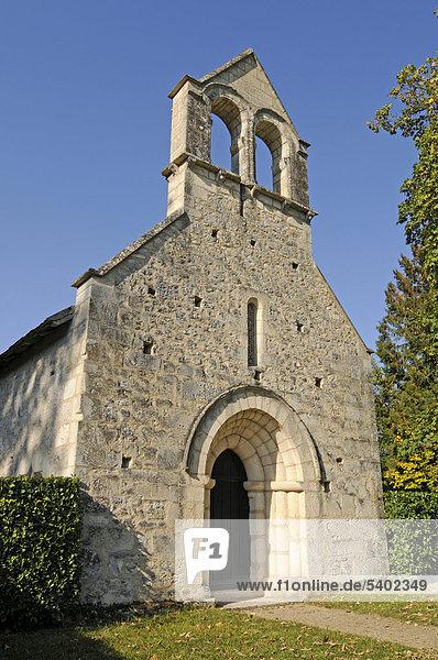 Abbaye de Fontgombault  Abtei  Kloster  Kapelle  Kirche  Departement Indre-et-Loire  Centre  Frankreich  Europa  ÖffentlicherGrund
