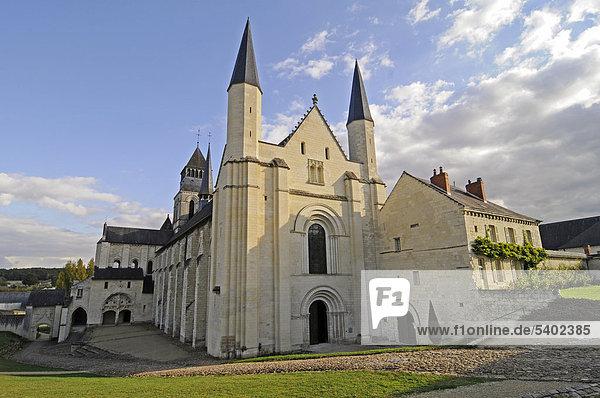 Abteikirche  Abbaye de Fontevraud  Abtei  Kloster  Kirche  Museum  Fontevraud-l'Abbaye  Departement Maine-et-Loire  Pays de la Loire  Frankreich  Europa