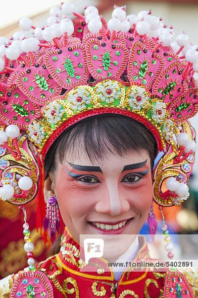 Asien  Thailand  Bangkok  Chinatown  Mädchen  Mädchen  Mädchen  Thai Mädchen  asiatische Mädchen  asiatische Frau  chinesische Oper  chinesische Kostüm  Tracht  Holiday  Urlaub  Tourismus  Reisen
