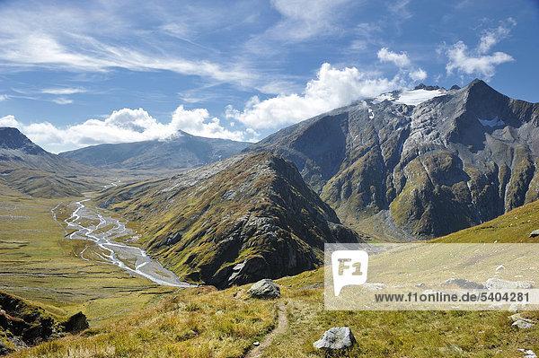 Greina  Plateau  River  Fluss  Rhein  Sumvitg  Natur Reservat  River  Fluss  Pass  Diesrut  Graubünden  Graubünden  Schweiz  Europa