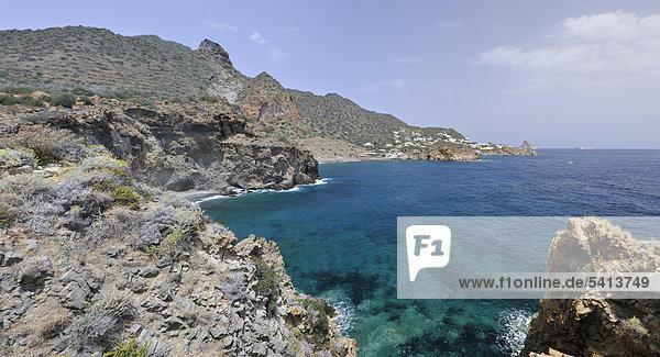 Bucht  Panarea  Liparische Inseln  Sizilien  Italien  Europa