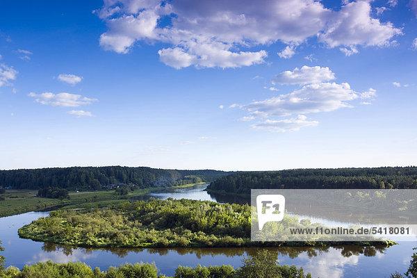 Zusammenfluss der Flüsse Nemunas und Merkis  in der Nähe von Merkine  Dzukijos Nationalpark  Litauen  Europa