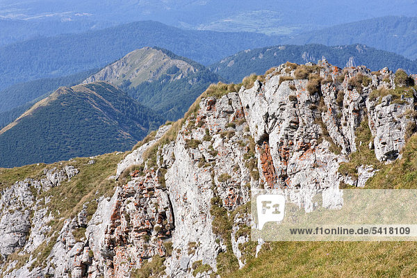 Blick vom Berg Velky Krivan  Nationalpark Kleine Fatra  Slowakei  Europa