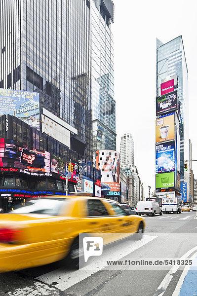 Vereinigte Staaten von Amerika USA New York City Manhattan Times Square