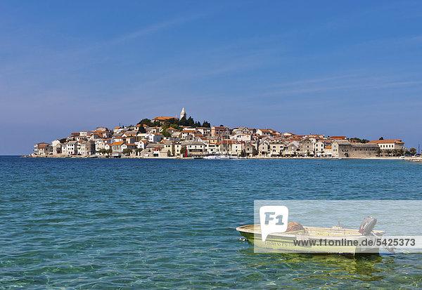 Europa Boot frontal Kroatien Dalmatien Halbinsel Primosten