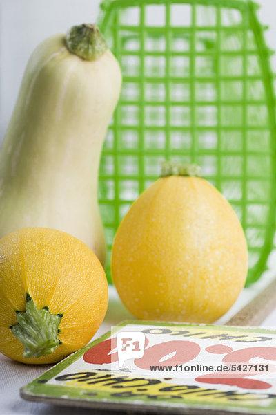 Goldball-Kürbis und Butternusskürbis