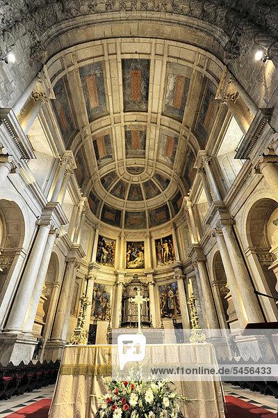 Altarbereich  Santa Maria Kirche  Mosteiro dos JÈronimos  Hieronymus-Kloster  Unesco Weltkulturerbe  Belem Viertel  Lissabon  Lisboa  Portugal  Europa